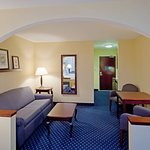 Holiday Inn Express Suites Middleboro Foto