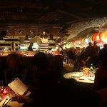 Restaurant, bar.