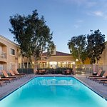 Courtyard By Marriott Camarillo