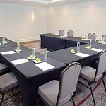Alameda Meeting Room – U-Shape Setup