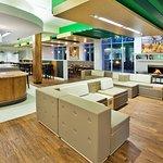 Holiday Inn Gwinnett Center Lobby Lounge