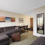 Photo de Staybridge Suites Lincolnshire