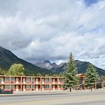 Canadas Best Value Inn & Suites Foto