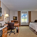 1 Queen bed Studio Suite
