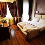Aristocrat Hotel Foto