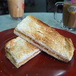 Toasted bread with kaya and butter (roti kahwin)