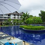 Photo de Kamala Beach Resort (a Sunprime Resort)