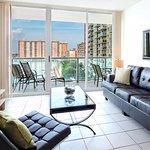 Globe Quarters Miami Apartments - Style & Comfort
