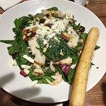 Uno's - healthy salad