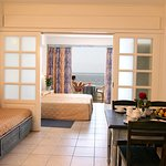 Photo de St. George Gardens Hotel Suites