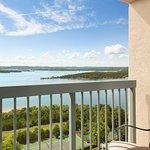 Foto de Chateau on the Lake Resort & Spa