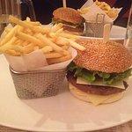 Cheeseburger avec frites