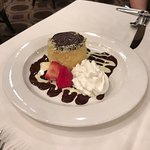 Stopped in to try the Boston Creme Pie and Parker House Rolls while walking the Freedom Trail.