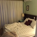 Fest Matratze, gute Klimaanlage und ordentlich Schallisolierung