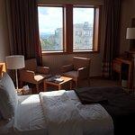 Merkezi bir noktada olan hotel oldukça rahat ve temiz. Bursa'dan Cavit Çağlar almış eski adı the