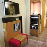 Room had good facilities - Novotel London West (14/Oct/16).