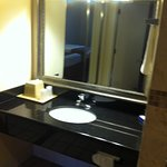 Acessible Room Vanity