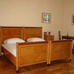 Doppelzimmer mit Jugendstilmöbel