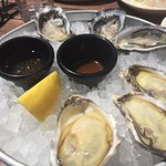 2 types of oysters freshly shucked