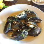 Tides Mussles in White Wine and Shallots