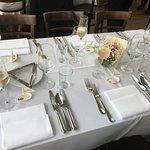 Gedeckter Tisch zur Hochzeit