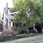 9 Cranes Inn Photo