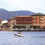 Hotel vom See aus gesehen