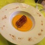 Foie gras poêlé et crème de potimaron