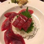Tekkadon (tuna on white rice)