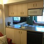 Lovely, Updated 1 King Bed Suite at Mariner's Village Carlyle, IL
