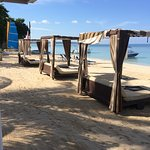 plenty of beds and loungers beach side and pool side
