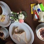 Gluten free sandwich, soup & sandwich, pancakes & icecream