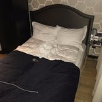 1 meter Iphone cable to illustrate the width of the bed