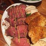 Photo de Gun Barrel Steak & Game House