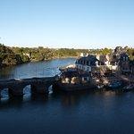 Au pied du pont L'Armoric