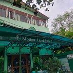 Photo de Mother Land Inn 2
