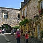 Une petite ruelle de la trés belle bastide de Monpazier