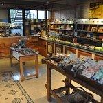 Brillat Savarin - Pastelería Casa Central ubicada en Juan B. Justo 135 Ciudad de Mendoza