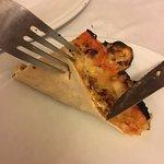 Estuvimos cenando con reserva. Muy mal servicio, poca calidad de comida, las pizzas muy mal y un