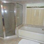 Nice clean bathroom with jacuzzi tub