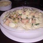 Gran plato de pastas con mariscos. Simplemente delicioso