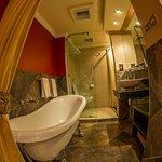 Premium & Deleux rooms