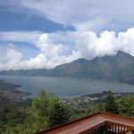Vue sur le lac ....et le volcan époustouflant vous serez subbjuer c est magnifique