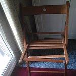 chaise cassée