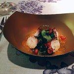 Pulpo con ensalada de algas con vinagreta de umeboshi y granada
