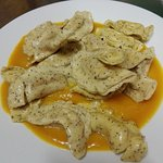 tortelli di grano saraceno mantecatoli al Burro di Bufala su letto di crema Zucca Carote & Zaffe