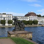 Hotelansicht vom See