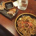 Assiette Yakisoba, nouilles maisons sautées au wok sous nos yeux