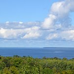 There are wood view and water view suites. The resort overlooks the Bay of Green Bay.