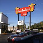The Thunderbird Inn Foto